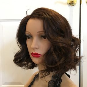 Short wavy wig golden brown